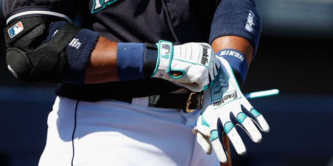 robinson-cano-custom-batting-gloves-top-right.jpg